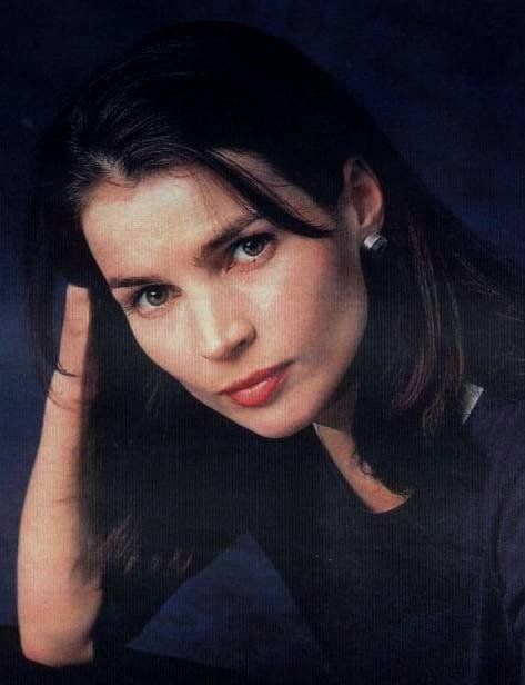 Julia Ormond Sabrina